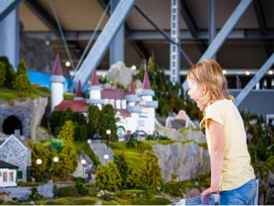 Modellwelten des Berg & Tal Abenteuer Resorts