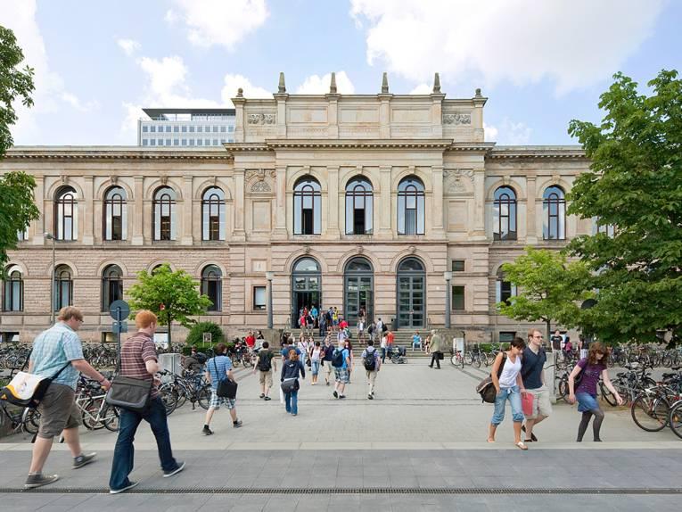 Blick auf das Altgebäude der TU Braunschweig