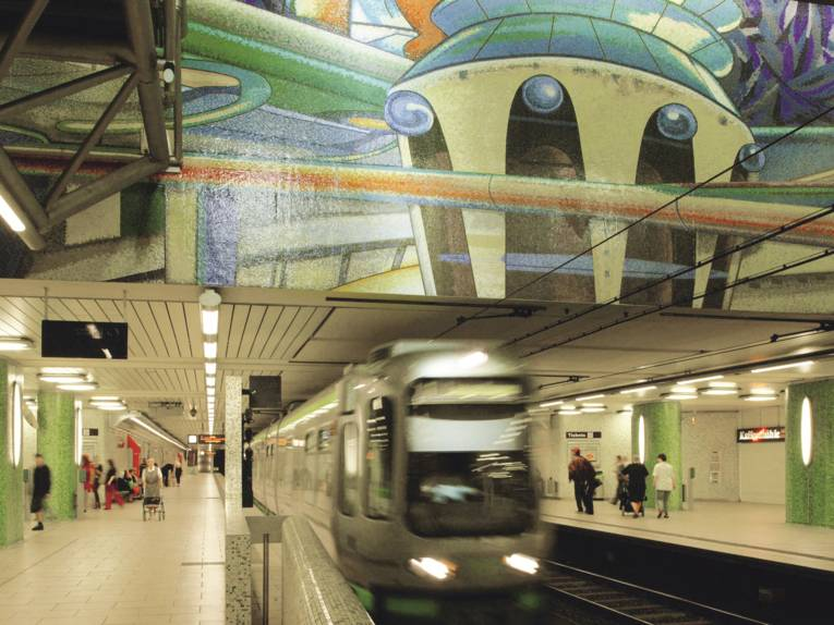 An underground driving into the station.